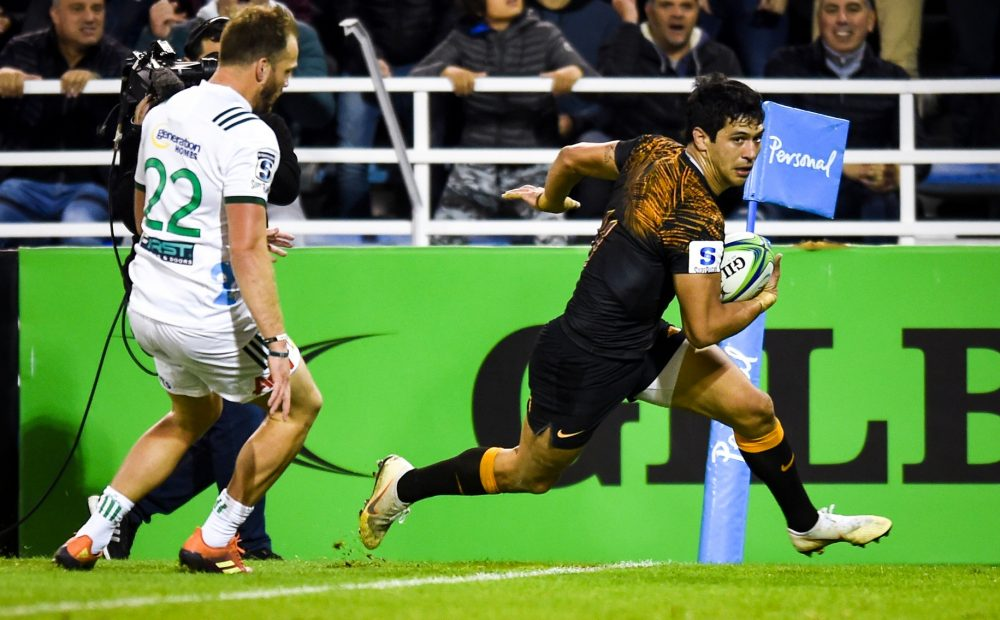 BUENOS AIRES, ARGENTINA - JUNE 21:  Matias Moroni of Jaguares scores a try during a Quarter Final match between Jaguares and Chiefs as part of Super Rugby 2019 on June 21, 2019 in Buenos Aires, Argentina. (Photo by Marcelo Endelli/Getty Images)